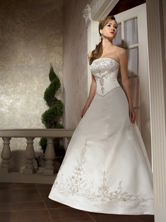 Lorna\'s Clearance - Allure Modest Wedding Gown Ivory Size 10 Petite